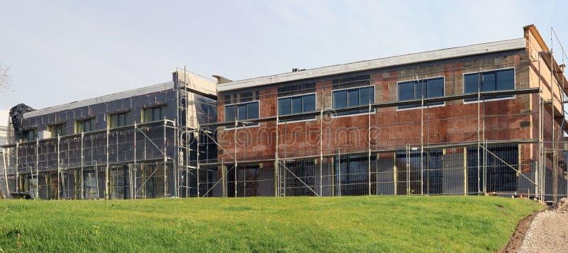Estándar moderno ningún constructio inacabado de las construcciones de viviendas del nombre fotografía de archivo libre de regalías