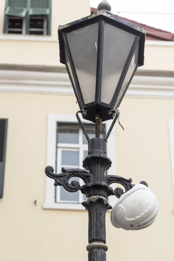 Estándar y casco Gibraltar de la lámpara imagen de archivo