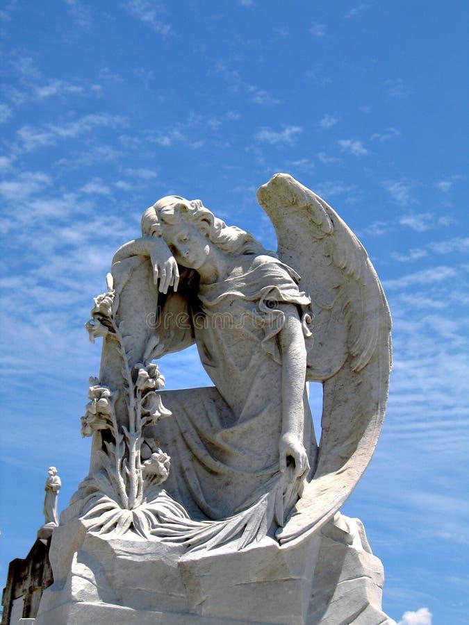 Estátua 5 do anjo imagens de stock