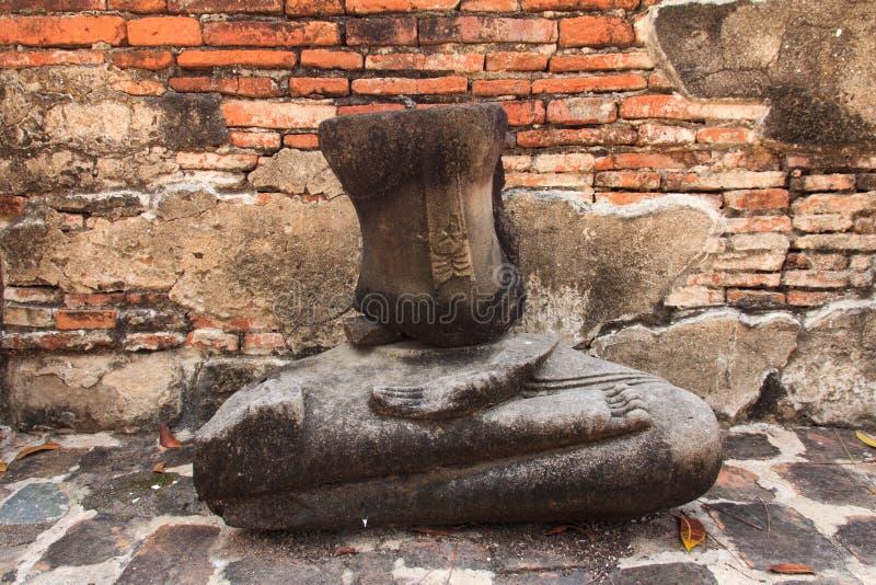 Estátua abandonada de Buddha fotografia de stock