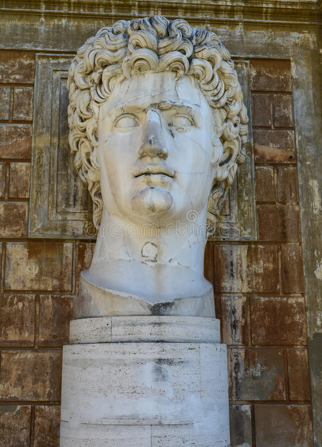 Estátua antiga de Roman Emperor Gaius Julius Caesar Augustus imagens de stock