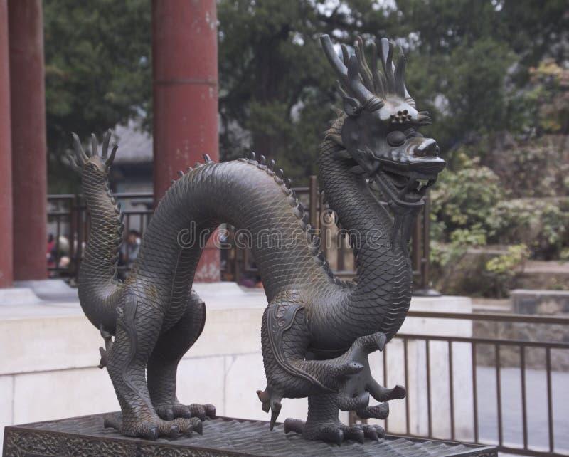 Estátua antiga do dragão fotografia de stock
