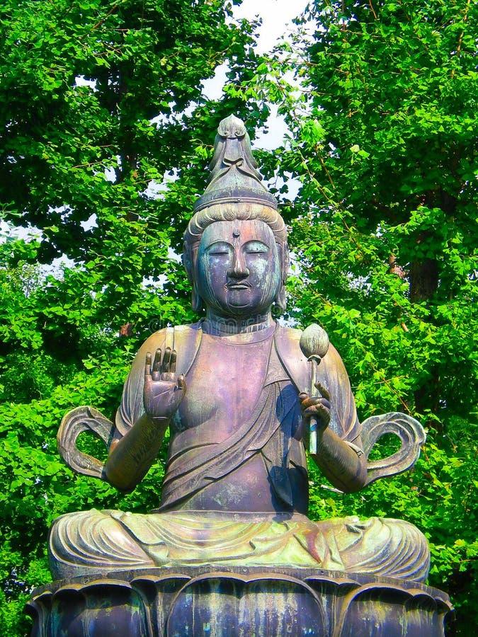 Estátua budista em Japão fotos de stock