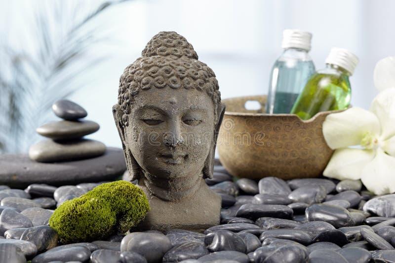 Estátua da Buda, pedras quentes imagem de stock royalty free