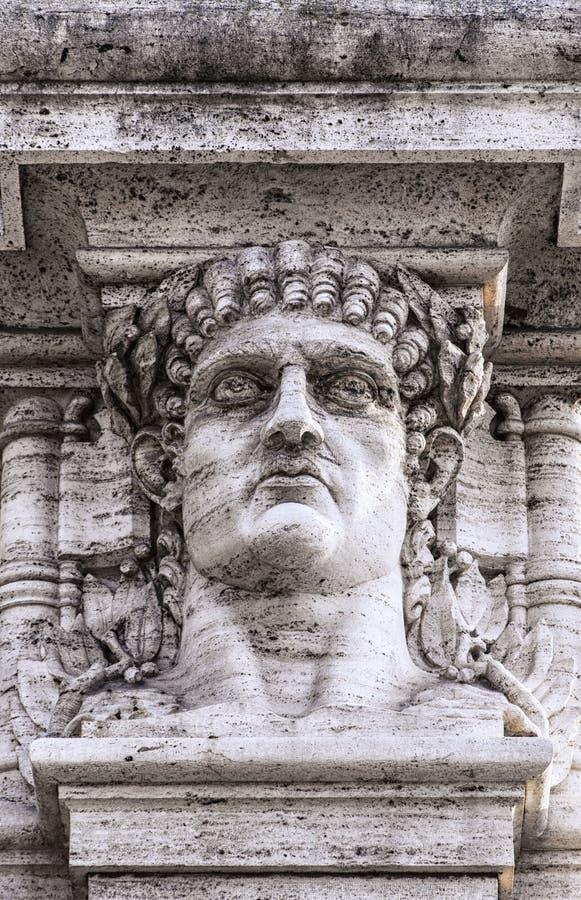 Estátua da cabeça de Nero do imperador fotografia de stock royalty free