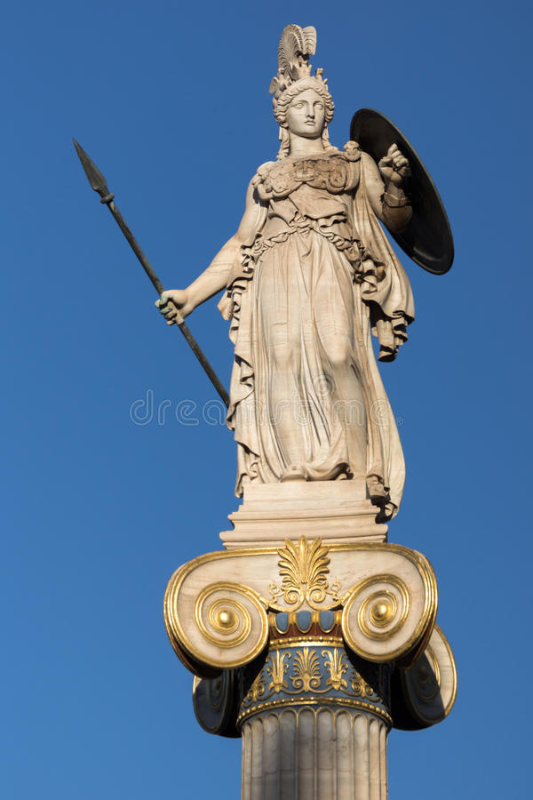 Estátua da deusa de Athena na frente da academia de Atenas, Grécia imagens de stock royalty free