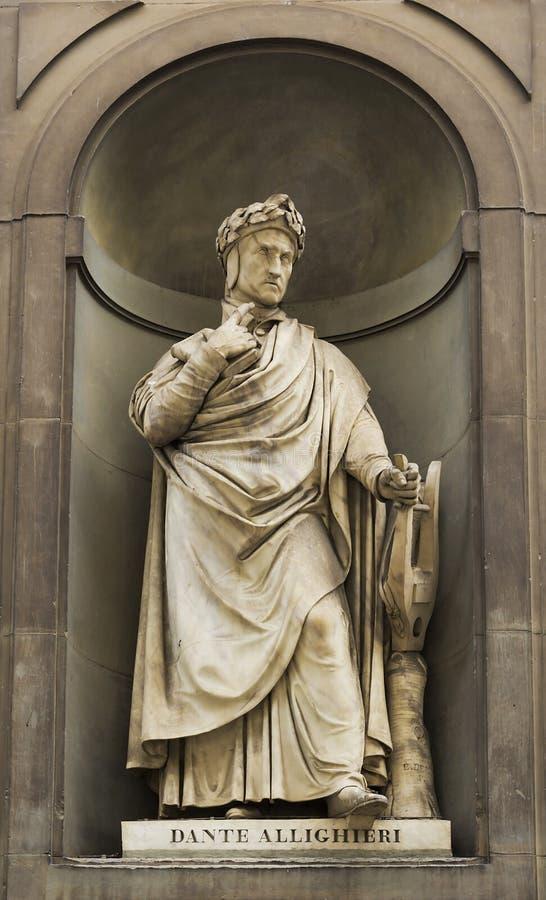 Estátua da estátua de Dante Alighieri fotografia de stock
