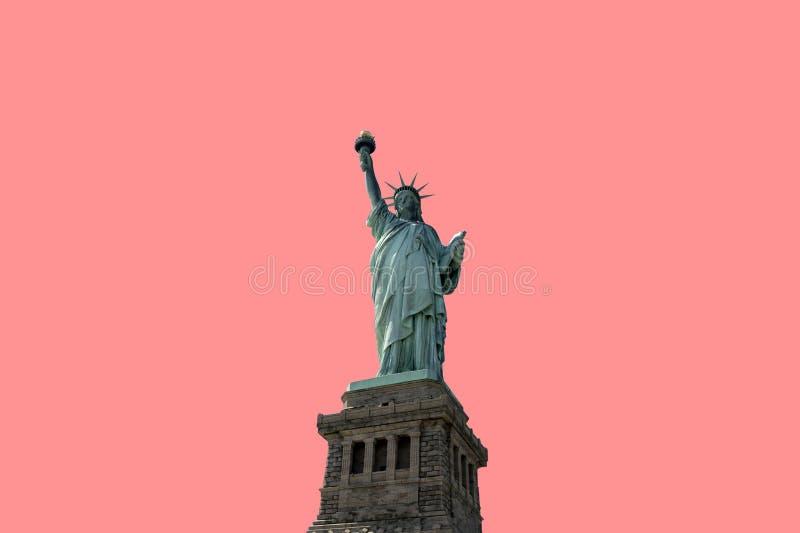 Estátua da liberdade isolada no fundo cor-de-rosa New York City EUA fotografia de stock royalty free