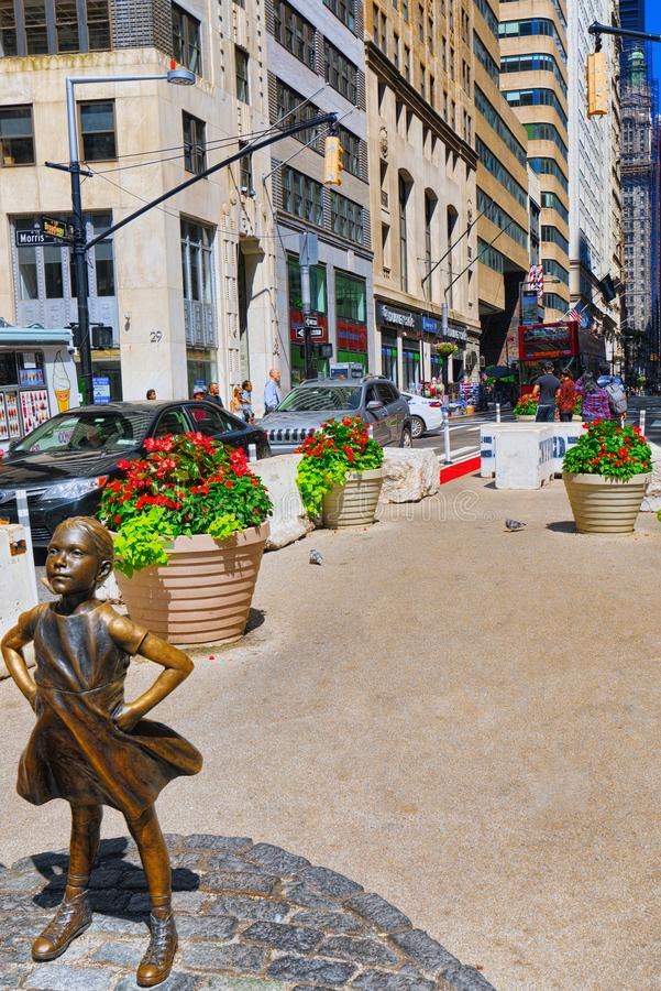 Estátua da menina sem medo em Broadway Capital financeira de Americ fotografia de stock