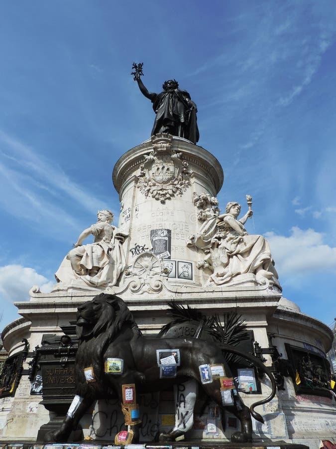 A estátua da república por Léopold Morice imagem de stock