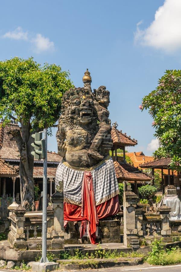 Est?tua da rua em Banjar Gelulung, Bali Indon?sia foto de stock