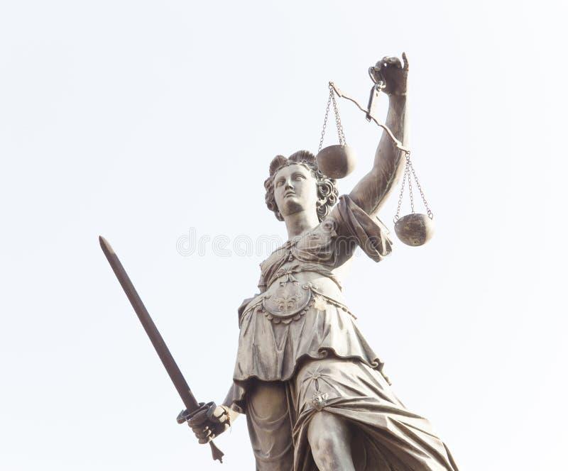 Estátua da senhora Justice em Francoforte - am - cidade principal, Alemanha foto de stock royalty free