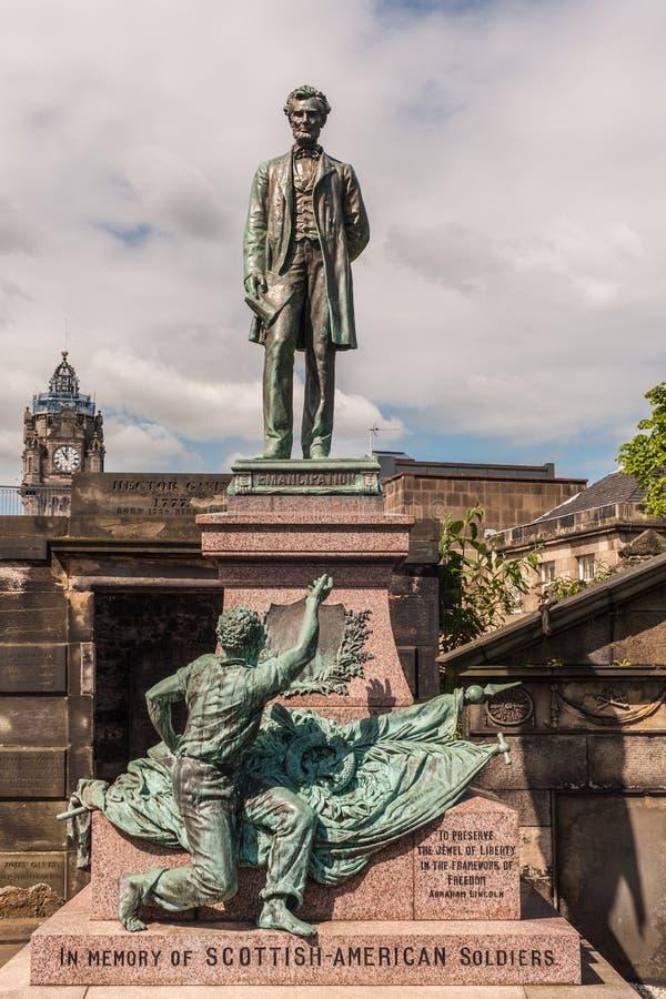 Estátua de Abraham Lincoln no cemitério velho de Calton em Edimburgo, Scot fotos de stock
