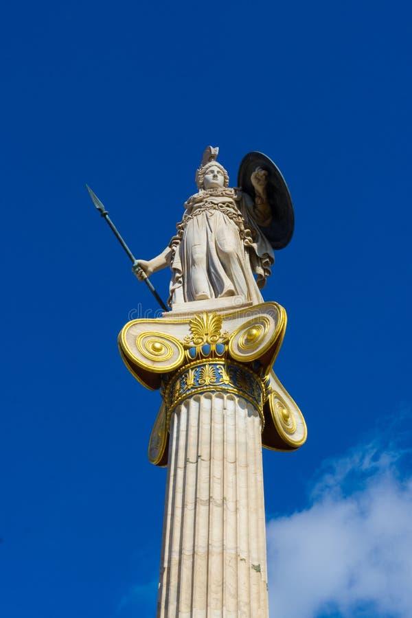 Estátua de Athena, deusa grega da sabedoria na academia de Atenas em Grécia imagem de stock royalty free