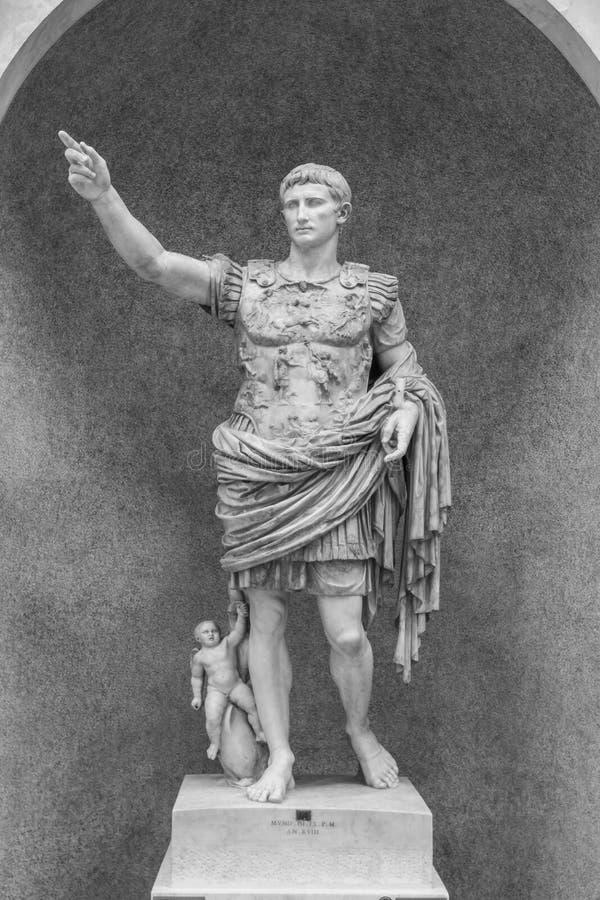Estátua de Augustus Caesar foto de stock