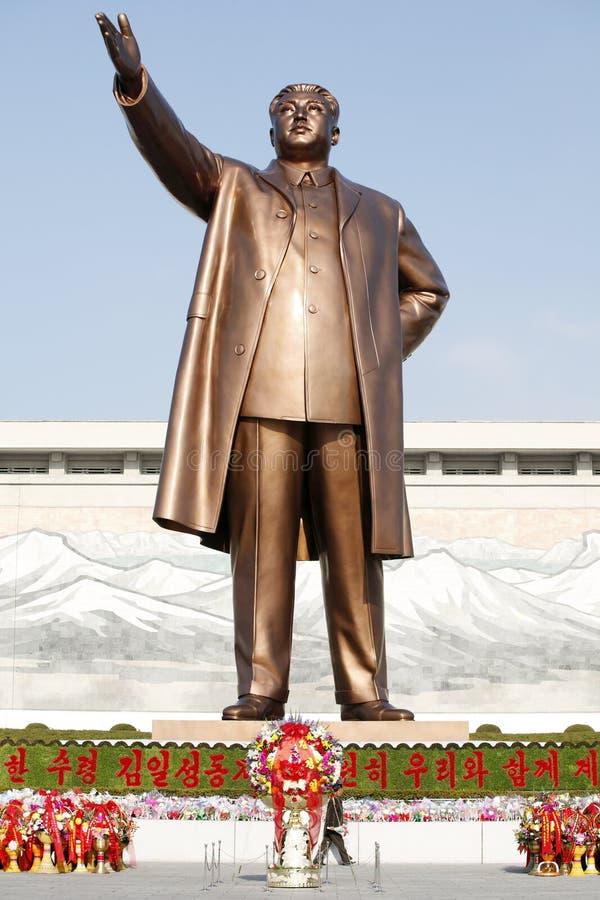 Estátua de bronze de Kim Il-sung foto de stock