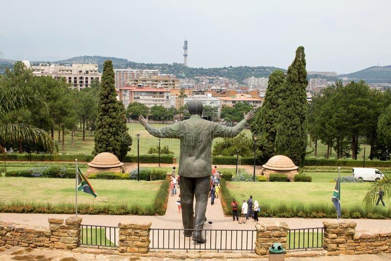 Estátua de bronze de Nelson Mandela imagem de stock royalty free