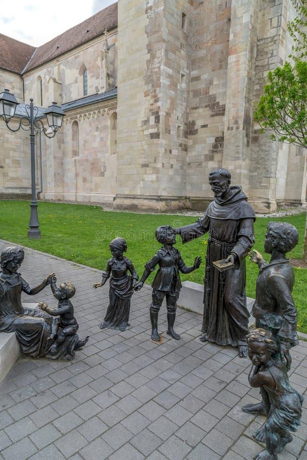 Estátua de bronze em Alba Iulia, Romênia fotografia de stock