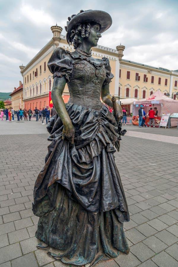 Estátua de bronze em Alba Iulia, Romênia foto de stock
