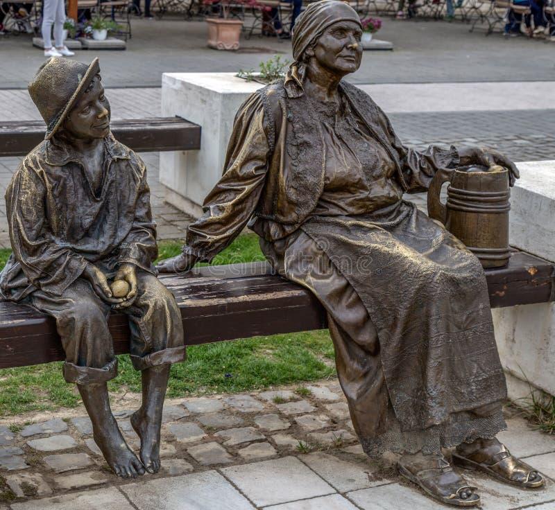 Estátua de bronze em Alba Iulia, Romênia fotografia de stock royalty free