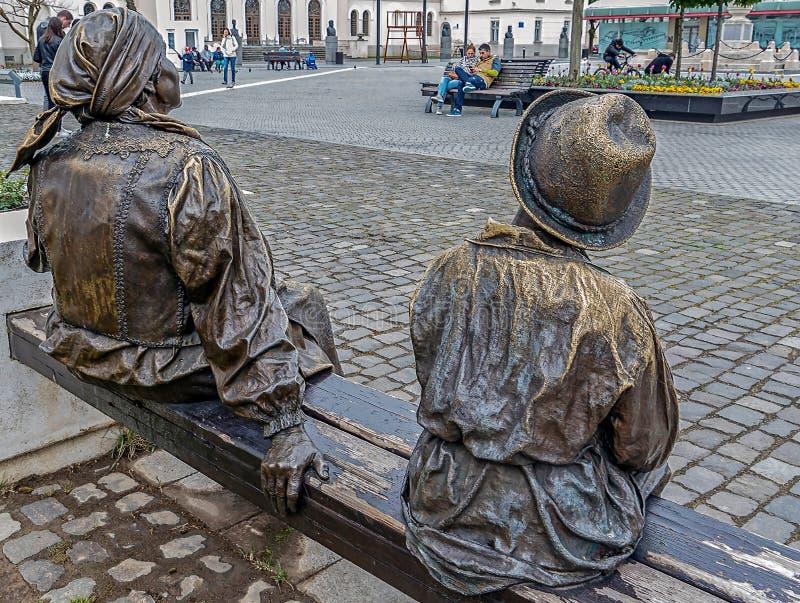 Estátua de bronze em Alba Iulia, Romênia foto de stock royalty free