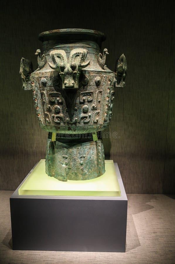 Estátua de bronze no sanxingdui, sichuan, porcelana foto de stock