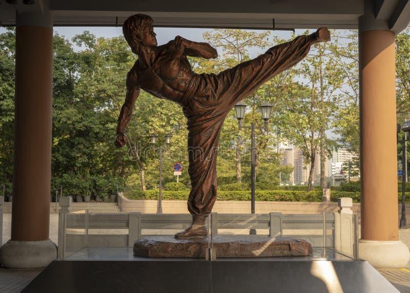 A estátua de Bruce Lee imagens de stock