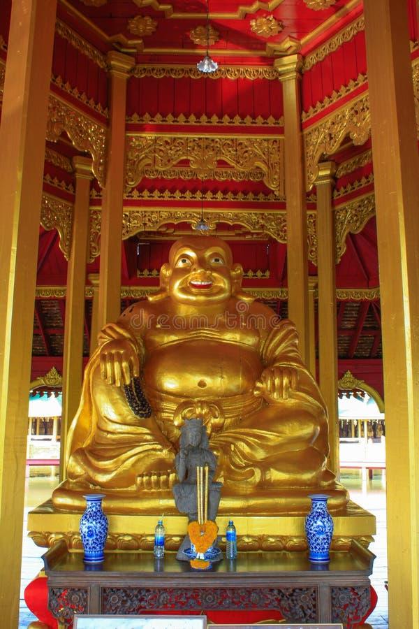 Estátua de buddha do chinês fotografia de stock royalty free