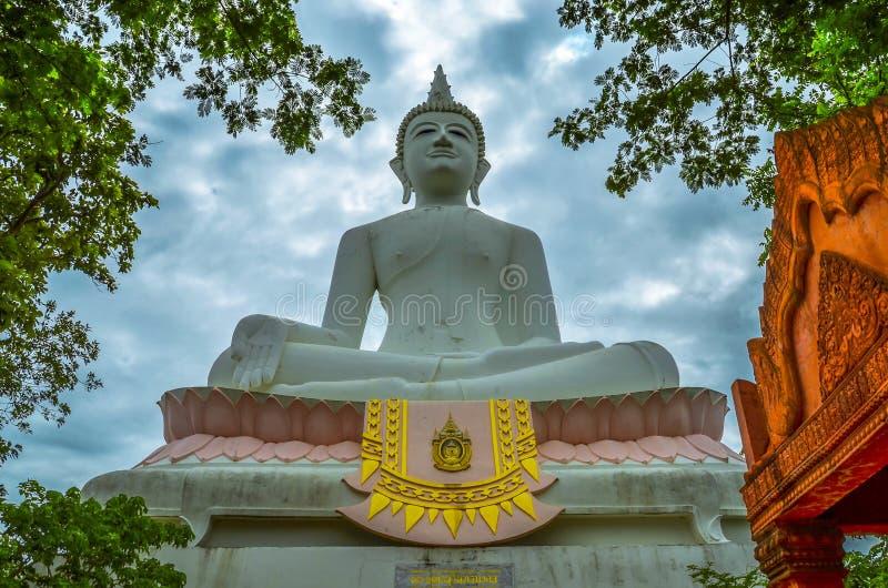Estátua de Buddha em Tailândia fotografia de stock royalty free