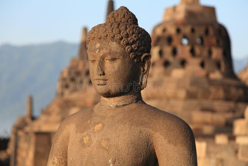 Estátua de Buddha no templo de Borobudur fotografia de stock