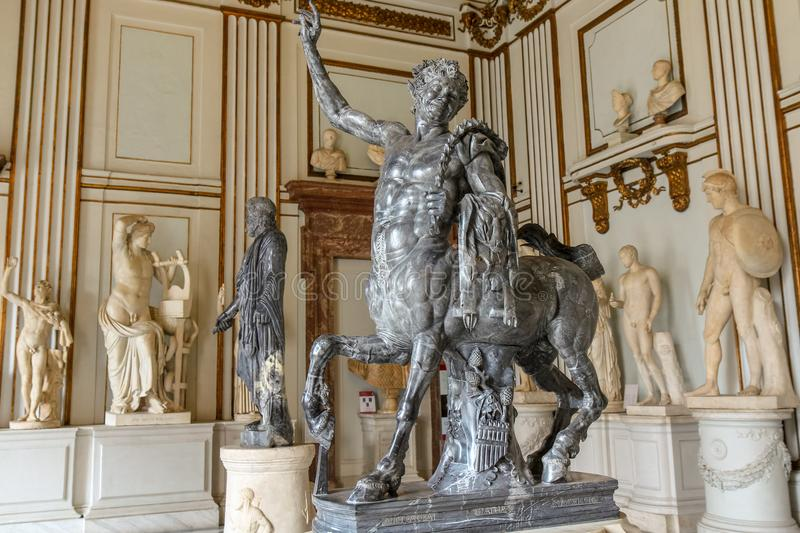 Estátua de Centaurus no museu de Roma National imagens de stock royalty free