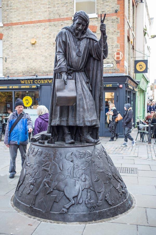 Estátua de Chaucer em Canterbury fotografia de stock royalty free