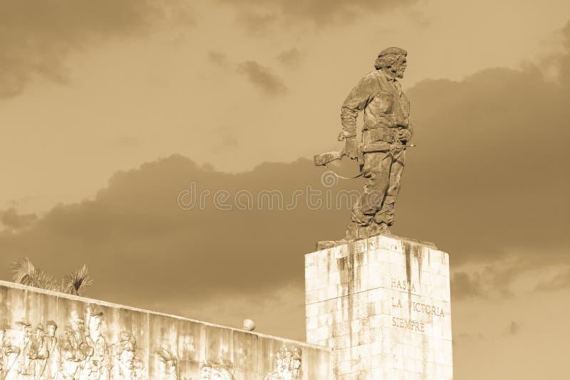 Estátua de Che Guevara no memorial e no museu em Santa Clara fotografia de stock