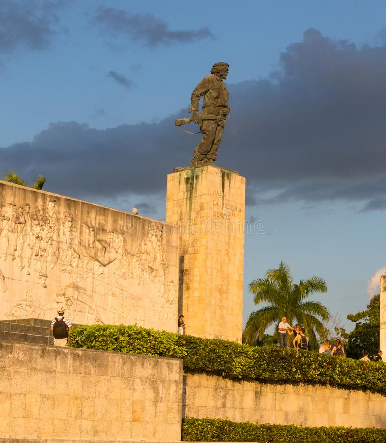 Estátua de Che Guevara no memorial e no museu em Santa Clara fotos de stock