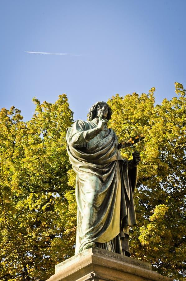 Estátua de Copernicus imagens de stock royalty free