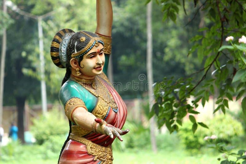 Estátua de dança das mulheres imagem de stock