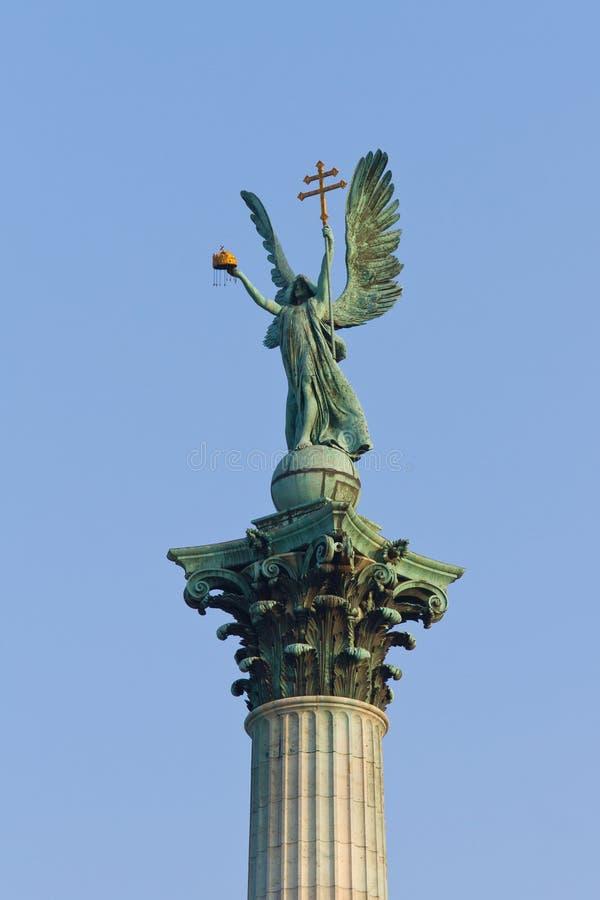 Estátua de Gabriel do Archangel fotografia de stock