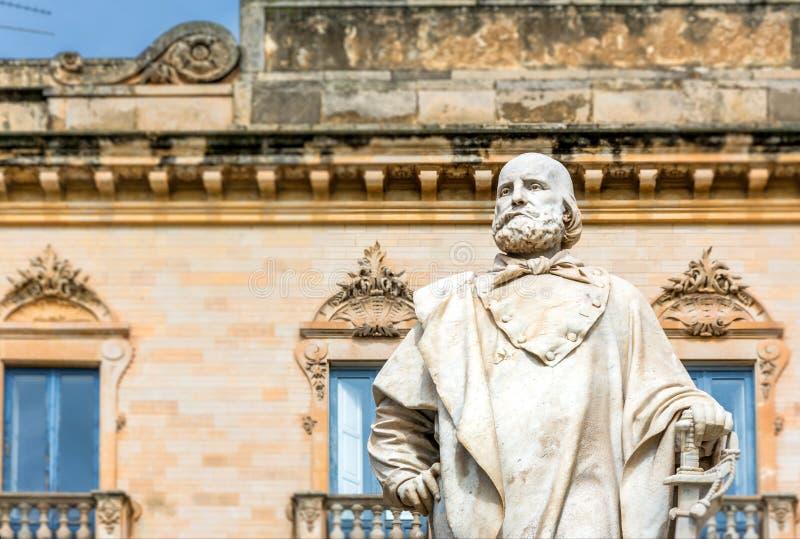 Estátua de Garibaldi em Trapani, Itália imagens de stock royalty free