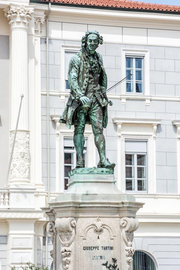 Estátua de Giuseppe Tartini em Piran, Eslovênia fotografia de stock royalty free