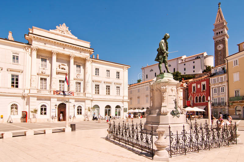 Estátua de Giuseppe Tartini em Piran, Eslovênia fotos de stock