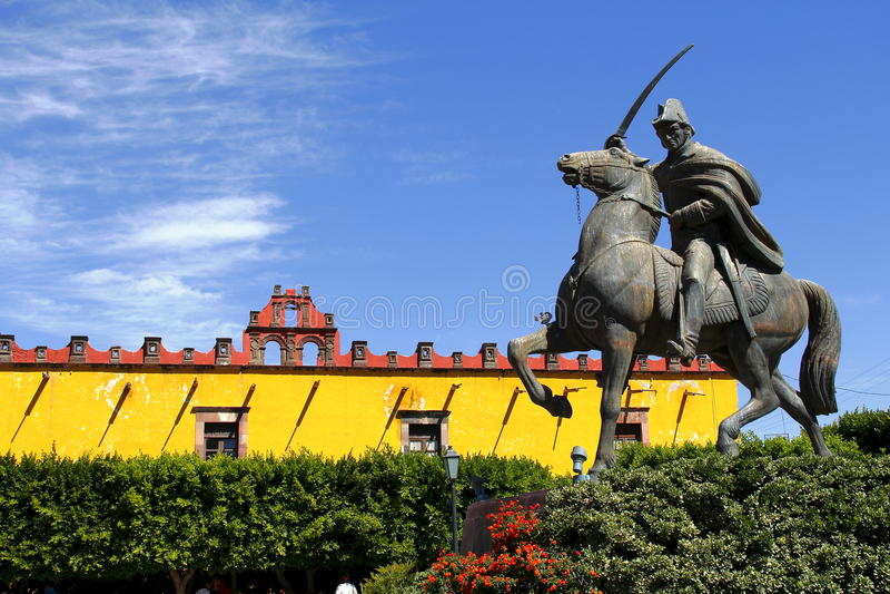 Estátua de Ignacio Allende mim foto de stock