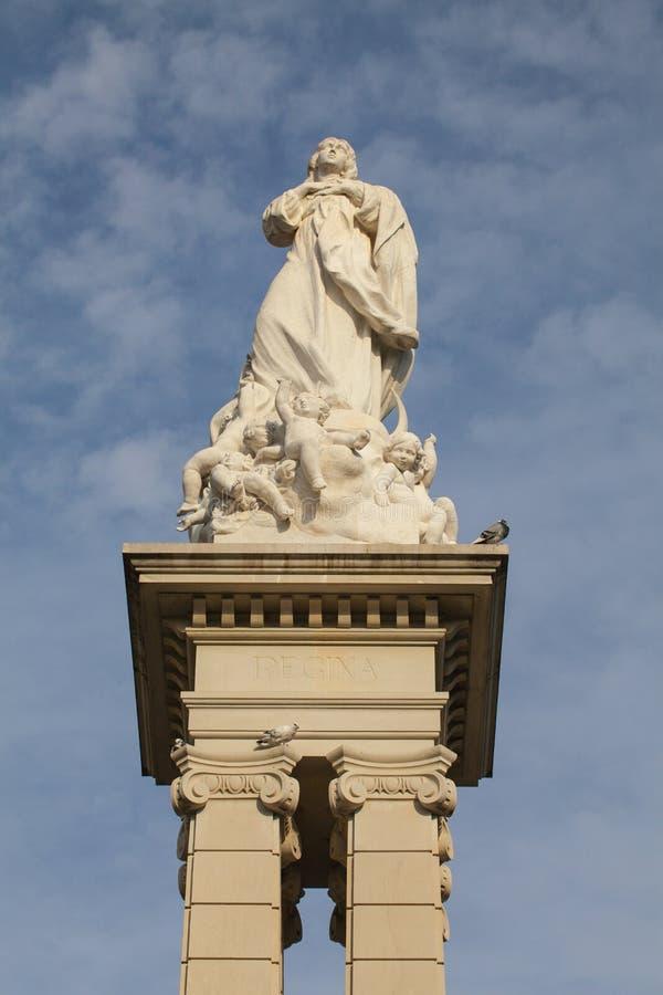Estátua de Inmaculada em Plaza del Triunfo, Sevilha foto de stock