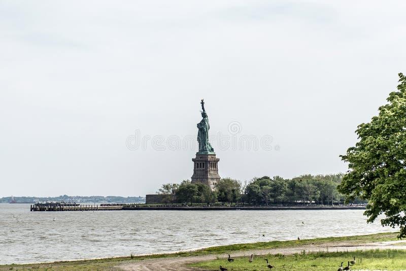 Estátua de Liberty New York Skyline Monument fotografia de stock