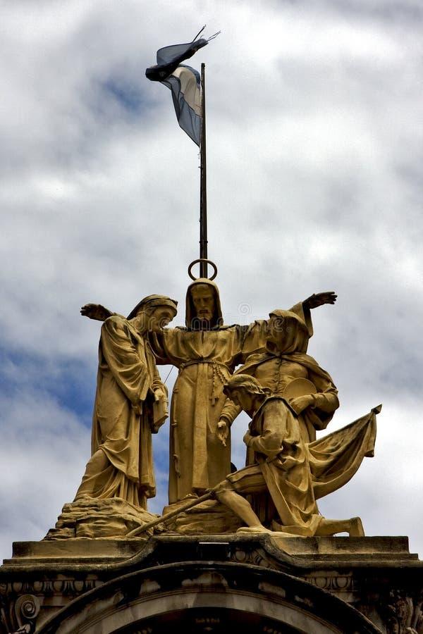 estátua de mármore amarela de um homem foto de stock royalty free