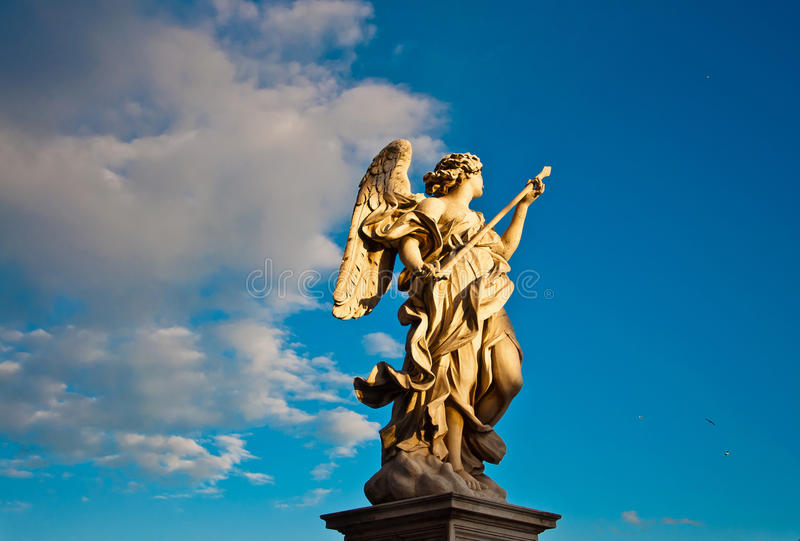 A estátua de mármore de Bernini do anjo foto de stock royalty free