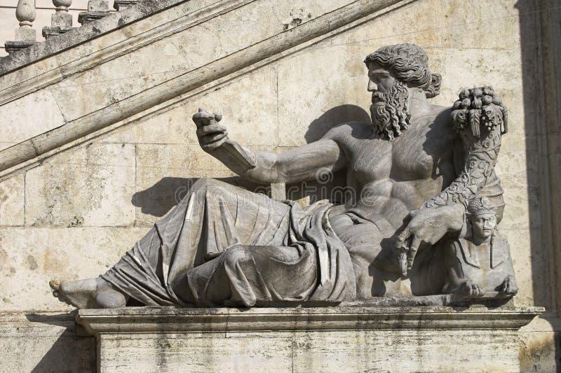 Estátua de mármore em Roma fotografia de stock