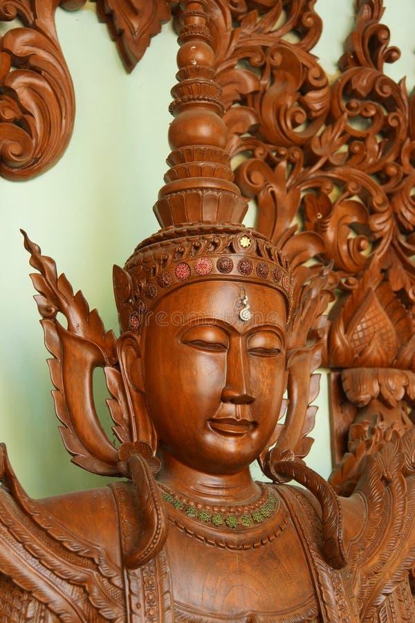 Estátua de madeira da Buda imagem de stock
