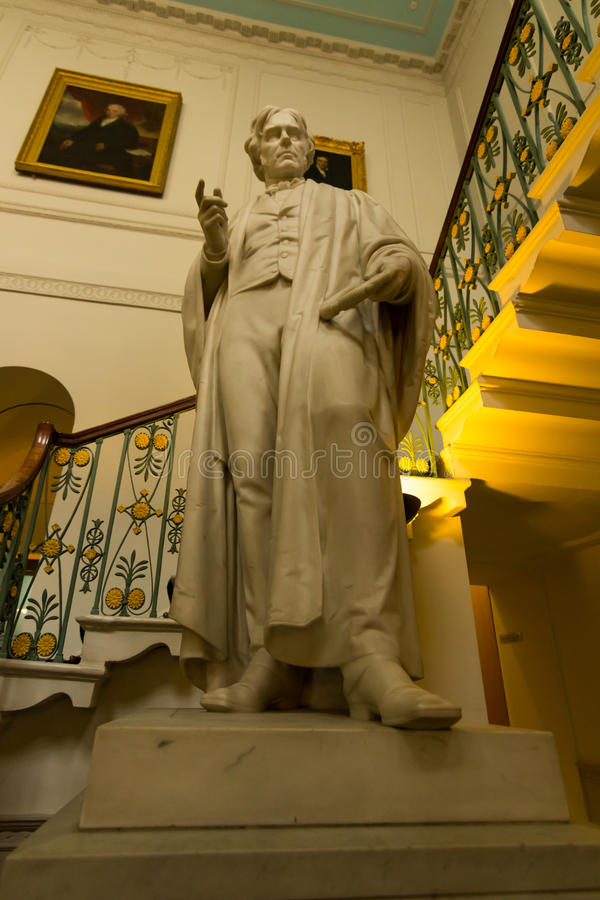 Estátua de Michael Faraday no instituto real da ciência fotografia de stock