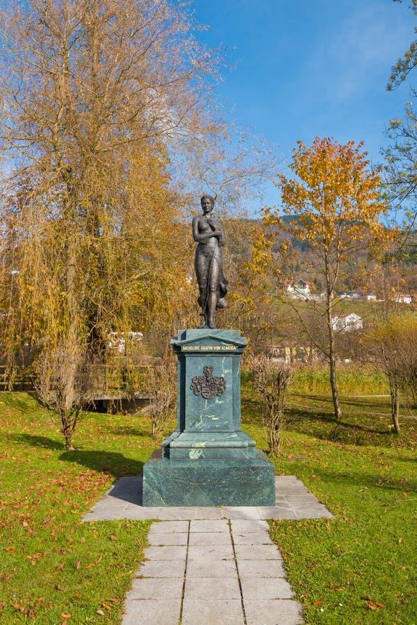 Estátua de Micheline Grafin von Almeida, membro do austríaco nobre foto de stock royalty free