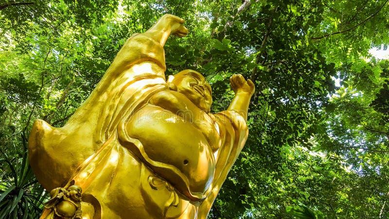 Estátua de monges budistas chinesas fotografia de stock